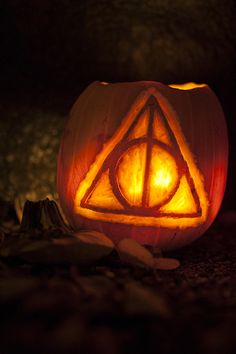 Lord of the Rings Pumpkin | Lord of the Rings pumpkins (and two Harry Potter)