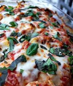 My Kitchen Escapades: Basil Artichoke Chicken Bake - this recipe was delicious. Next time I think I will add some fresh basil before cooking and only drain one can of tomatoes. I did add flour even though it is optional. So good!! - SRC