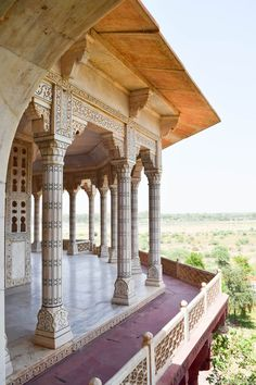 A Unique Visit of The Agra Fort on The Taj Mahal Tour