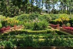 Beautiful landscaped garden by Isabel Duprat