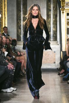 A look from the Emilio Pucci Fall 2015 RTW collection.