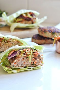 These Thai Turkey Burgers are the perfect way to mix up your burger game this summer! compliant and packed with flavor! These Thai Turkey Burgers are the perfect way to mix up your burger game this summer! compliant and packed with flavor! Vegetarian Barbecue, Vegetarian Recipes, Healthy Recipes, Barbecue Recipes, Vegetarian Cooking, Thai Recipes, Recipes Dinner, Easy Recipes, Healthy Food