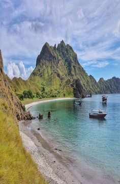 Padar Island is a small Indonesian island between the islands Rinca and Komodo, and is a part of the Komodo National Park. France Travel, Asia Travel, Japan Travel, Visit Australia, Australia Travel, Komodo National Park, National Parks, Vietnam Travel, Thailand Travel