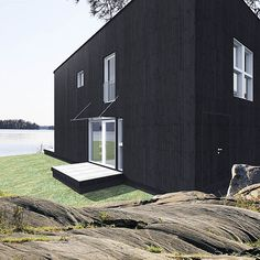 Sunhouse Q1. Architect: Jarkko Könönen. @sunhousetalot Garage Doors, Plans, Outdoor Decor, Mood, Home Decor, Homemade Home Decor, Interior Design, Home Interior Design, Decoration Home