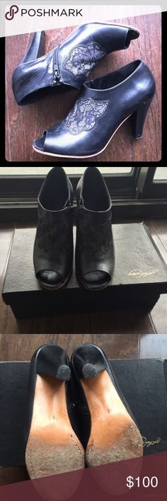 Rachel Comey Heels! Absolutely gorgeous shoes With a closed back and open toes! Intricate lace detailing on the front! Good condition! Rachel Comey Shoes Heels
