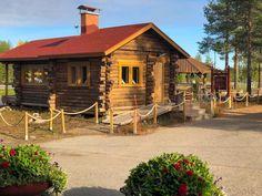 Roosevelt Cabin at Santas Village in Rovaniemi Santa Claus Village, Santa's Village, Husky Kennel, Finland Travel, Small Cabins, Roosevelt, Plan Your Trip, Helsinki, Hostel