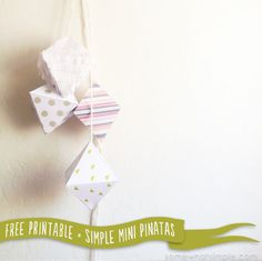 Super easy and cute mini pinatas! Download these free templates + 11 more fabulous Cinco De Mayo FREE printables, just in time for your next Fiesta!
