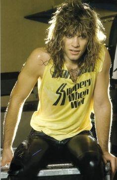 He's always so damn gorgeous. Slippery When Wet. Jonny in the beginning of it all. God said let there be Jon Bon jovi! Jon Bon Jovi, Bon Jovi 80s, Aubrey Plaza, Diane Lane, Chroma Key, Pop Punk, Most Beautiful Man, Beautiful People, Rock N Roll