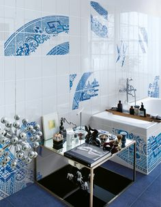 Hand decorated wall tiles Blue Willow by Ceramica Bardelli