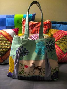 pattern from Bend The Rules Sewing    blogged here: ruthsloan.blogspot.com/2011/02/two-new-handbags.html     For more bright ideas on how to feel and look great, go to www.yournewstyles.com .