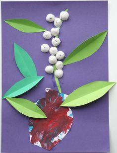 assistante maternelle activités manuelles formation enfant bébé 1 Er Mai Muguet, Plant Leaves, Plants, Board, Child, Plant, Planting, Planets