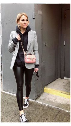 Leggings Outfit Winter, Legging Outfits, Black Hoodie Outfit, Leather Leggings Outfit, Athleisure Outfits, Blazer Outfits, Leggings At Work, Outfit Ideas With Leggings, Disco Pants Outfit