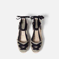 Imagen 4 de ALPARGATA PIEL ATADA de Zara Espadrilles Outfit, Zara, Denim Shoes, Boho, Summer Shoes, Cute Shoes, Leather And Lace, Casual Shoes, Baby Shoes