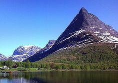 Innerdalsvatna and Innerdalstarnet (Jan Spanelsky) Tags: norway norge oppdal innerdalen storvatnet bardsgarden innerdalsvatna innerdale innerdalstarnet tarnfjellet innerdalenvalley renndolsetra