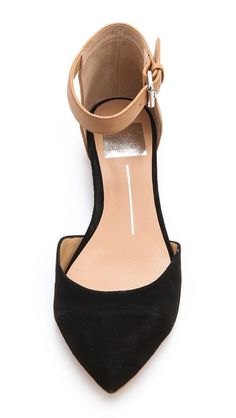 d'Orsay Flats with Ankle Strap Been looking for shoes like this for a while (to wear with black skinnies). I'd rather the ankle strap be black. Cute Flats, Cute Shoes, Me Too Shoes, Pretty Shoes, Beautiful Shoes, Look Fashion, Fashion Shoes, Shoe Boots, Shoes Heels