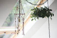 Post image for DIY Hemp Beaded Macramé Light Fixture