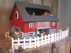 Kids Toy Wooden Barn - Includes 4 Sections Of Fence Free Shipping