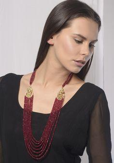 Arika Kundan and Red Onyx Necklace Diy Jewelry Necklace, Onyx Necklace, Necklace Designs, Beaded Necklace, Gold Bangles, Silver Bracelets, Sterling Silver Necklaces, Silver Jewellery Indian, Gold Jewellery Design