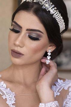 Curso de Maquiagem Online - O maior treinamento do Brasil com 31h Glam Makeup, Bridal Makeup, Makeup Art, Beautiful Eye Makeup, Beautiful Eyes, Paradise Girl, Mack Up, Prom Makeup Looks, Christmas Makeup
