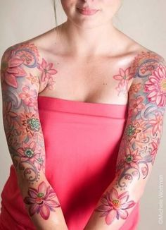 Pink flower sleeves. Do want.