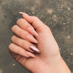 In seek out some nail designs and some ideas for your nails? Here's our listing of must-try coffin acrylic nails for modern women. Aycrlic Nails, Chic Nails, Oval Nails, Classy Nails, Stylish Nails, Simple Nails, Trendy Nails, Glitter Nails, Stiletto Nails