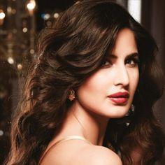 [Red Carpet Ready] Katrina Kaif spotted in Isharya Croc huggie earrings.