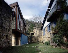 Extension of existing Caserio : mendiola : vizkaya : 2002