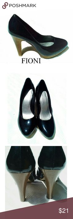 """FIONI BLACK SHINY HEELS FIONI BLACK SHINY HEELS * Pre-Loved /EUC *.  Size 5 *   All Manmade Material  *   4"""" Heel FIONI Shoes Heels"""