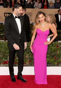 """Pin for Later: Here's All the Proof You Need That Latinos Totally Owned This Award Season When Joe Manganiello and Sofia Vergara Hit the SAG Awards Red Carpet Together And Joe was like, """"Damn, girl! Latina Magazine, Cute Celebrity Couples, Strapless Dress Formal, Formal Dresses, Sag Awards, Joe Manganiello, Sofia Vergara, Celebs, Celebrities"""