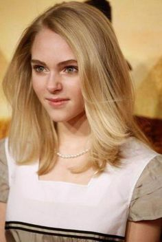 Check Out Our , Awesome Medium Haircuts for Teenage Girls, Medium Haircuts for Older Women, Haircuts for Teenagers. Cute Hairstyles For Medium Hair, Short Hair Updo, Medium Hair Cuts, Little Girl Hairstyles, Trendy Hairstyles, Medium Hair Styles, Braid Hairstyles, Hairstyles Videos, Curly Hair
