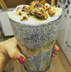 Chia puding csokis proteinkrémmel Chia Puding, Falooda, Cereal, Oatmeal, Breakfast, The Oatmeal, Morning Coffee, Rolled Oats, Breakfast Cereal