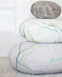 Felted wool stone Pouf Floor cushions Decorative Pebble pillows Furniture stone for living room Fathers day Gift for men Decorative Pebbles, Cheap Decorative Pillows, Floor Pouf, Floor Cushions, Chair Cushions, Wool Pillows, Diy Pillows, Pouf Ottoman, Felt Cushion