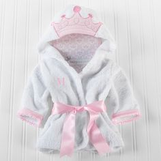 Treat your favorite little princess to this personalized little princess bath robe.