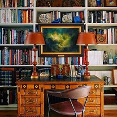 Home Library 📚 📚 Interior Design Inspiration, Room Inspiration, Home Remodeling Diy, Home Libraries, London House, Vintage Interiors, Bookshelves, Bookshelf Ideas, Interior Decorating