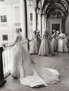 so beautiful!    Grace Kelly and her bridesmaids, April 19, 1958. Photographed by Howell Conant.  Beautiful. ♥