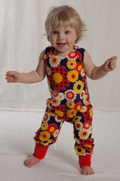 Tiljamid, handmade new Norwegian brand using retro fabrics loveitloveit Sewing Clothes Women, Kids Clothes Boys, Diy Clothes, Children Clothing, Baby Harem Pants, Baby Mittens, Retro Fabric, Pants Pattern, Sewing For Kids