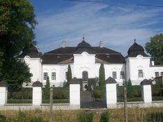 Netradičné kaštiele na strednom Slovensku, ktoré stoja za pozornosť – Sóda Heart Of Europe, Mansions, House Styles, Home Decor, Decoration Home, Manor Houses, Room Decor, Villas, Mansion