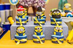 O aniversário do Caio ganhou diversão e alegria com a decoração produzida pela Divina Doçaria. Os Minions invadiram a festa e encheram os olhos dos convidados. Veja as fotos e inspire-se!