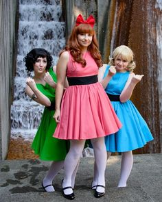 The girls want to be Powerpuff Girls. Best halloween costumes ever. Who wants to be the other two Powerpuff Girls? Cute Group Halloween Costumes, Cute Costumes, Group Costumes, Girl Costumes, Halloween Cosplay, Costume Ideas, Mermaid Costumes, Pirate Costumes, Couple Halloween