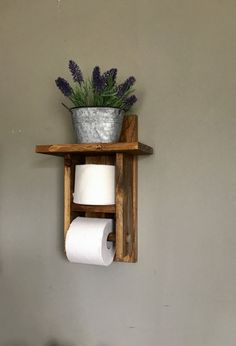 Toilet Paper holder shelf (TP Holder) is s great bathroom decor to bathroom. Give your bathroom a rustic décor with this farmhouse toilet paper holder. This toilet roll holder holds more then one roll of toilet paper. Always have that extra roll handy. Farmhouse Toilet Paper Holders, Bathroom Toilet Paper Holders, Toilet Paper Storage, Toilet Roll Holder Wood, Toilet Paper Roll Holder, Rustic Bathroom Wall Decor, Rustic Bathrooms, Bathroom Shelves, Bathroom Ideas