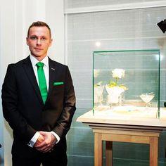 #Vicore #emerald #gem #gemstone #jewel #champagne #event #show #smaragd #green #colombia #art #jewelry #investment #auction #gems Emerald Gem, Gem Diamonds, Gem S, Champagne, Auction, Events, Gemstones, Green, Instagram Posts