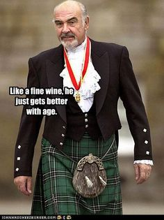 Sean Connery in a Kilt. I love men in kilt ! Mode Masculine, Photo Star, Scottish Actors, Scottish Man, Scottish Dress, Scottish Gaelic, Scottish Plaid, Scottish Highlands, Men In Kilts