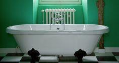 salle de bain vert et blanc