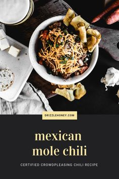 Mexican Mole Chili - a certified crowd pleasing chili recipe that is SO easy to make Mexican Chili Powder, Mexican Mole, Honey Recipes, Chili Recipes, Mexican Food Recipes, Ground Beef, Crowd, Nom Nom, Fashion Styles