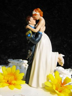 Police Officer COP law enforcement Gun Wedding Cake Topper sexy pose Bride uniform Kiss Lift Your PATCH I wish I saw this before my wedding 22 years ago Gun Wedding, Police Wedding, Wedding Bells, Dream Wedding, Wedding Day, Wedding Stuff, Wedding Tops, Wedding Things, Wedding Cake Toppers