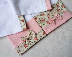 kit-pano-de-prato-com-barrado-em-tecido-pano-de-prato-floral
