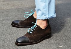 Tommy Ton's Men's Street Style at Milan Fashion Week: Style: GQ Tommy Ton Men, Dandy, Wingtip Shoes, Everyday Shoes, Colorful Shoes, Lookbook, Blue Shoes, Bunt, Gq