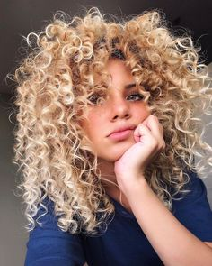 20 Hottest Spring Hair Colors 2019 – Styles Art 20 Hottest Spring Hair Colors 2019 – Styles Art 20 amazing hairstyles Stunning Hair Color Id▷ 1001 + impeccable hairstyles Cute Curly Hairstyles, Spring Hairstyles, Short Curly Hair, Curly Hair Styles, Natural Hair Styles, Natural Curls, Curly Hair White Girl, Blonde Curly Hair Natural, Blonde Afro