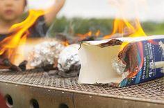 カートンドッグというキャンプ料理を知っていますか?燃料に牛乳パックを使ったユニークかつ簡単レシピで、まさにアウトドアならではのキャンプ料理。子ども連れのキャンプで盛り上がること間違いなしのイベント性溢れるカートンドッグを是非チャレンジしよう! Outdoor Food, Camping, Recipes, Outdoors, Campsite, Cookout Food, Recipies, Ripped Recipes, Outdoor Rooms