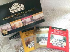 AHMAD TEA クラシックティーセレクション。4種全て癖がなく日常で手軽に飲める紅茶。Darjeeling:渋みが少なく、食事に合う。低地栽培らしい。Earl Grey:ベースがセイロン・ケニアのブレンドで癖がない。香りがしっかりたち、コクがある。ミルクを入れるなら長く抽出を。English Breakfast:ケニア、インド、スリランカ茶葉ブレンド。しっかりした味わいだが渋みはない。刺激の弱いお目覚め紅茶。ミルクにするとコクが深まる。English Tea No.1:全く癖がなく、なめらか。ほのかにベルガモットで香り付けされているが、アールグレイほどではない。